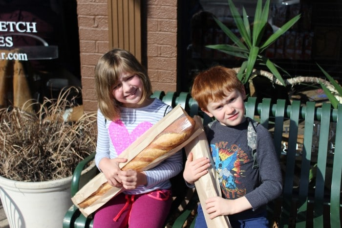 Burnt Macaroni - Roasted Veggies - Bread - Farmers - Aquarium 115a