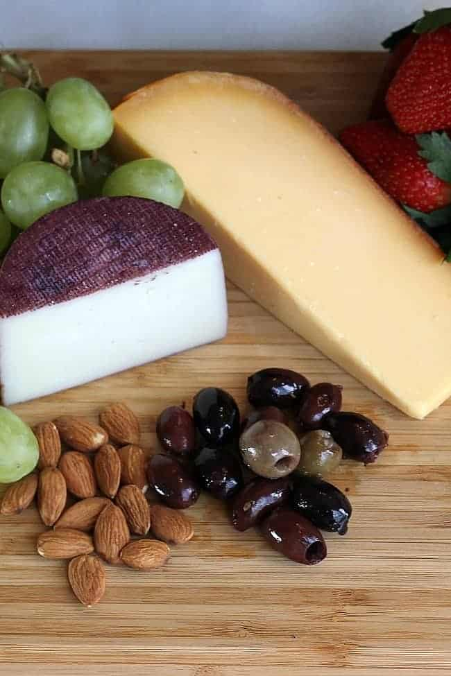 Creating a Wine & Cheese Plate