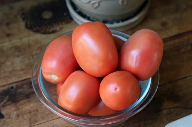 goat-cheese-tomatos-basil-flatbread