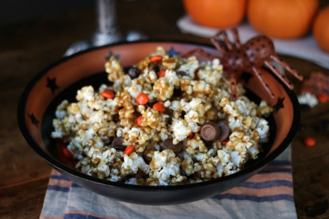 halloween-caramel-corn