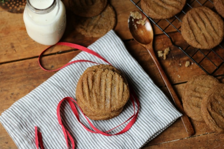 grandmas-molasses-cookies-d
