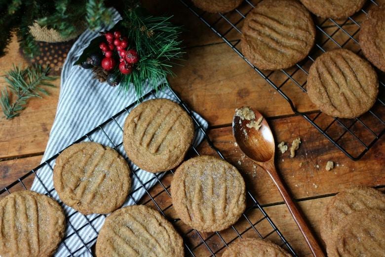 grandmas-molasses-cookies-z