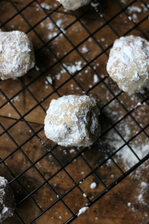 sugared-pecan-balls-a