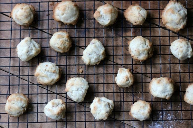 sugared-pecan-balls