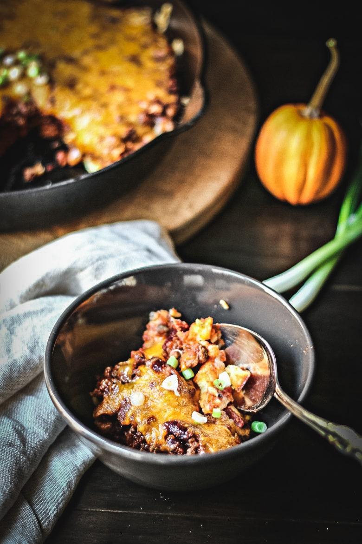 Cheesy Cornbread Chili