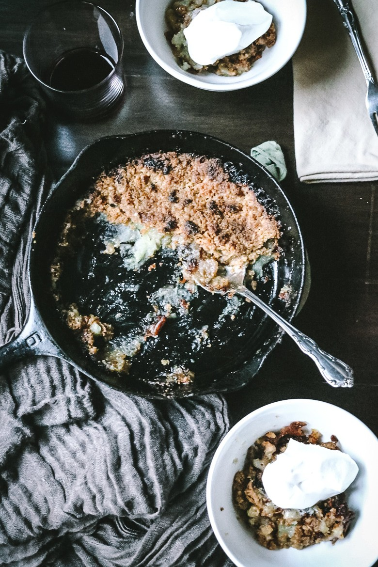 Easy Cast Iron Apple Crisp