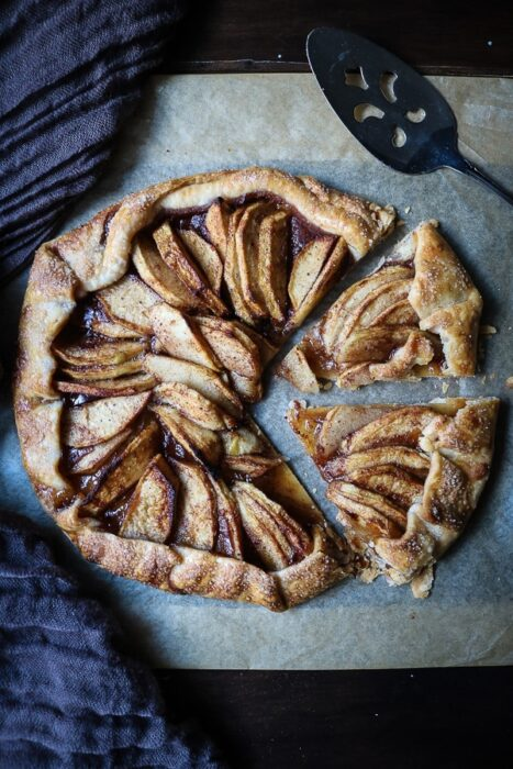 This apple galette tastes like apple pie and is perfect for fall